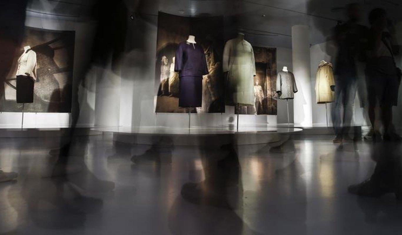 Pensionista abeja Prehistórico  La mirada de Balenciaga sobre el traje popular
