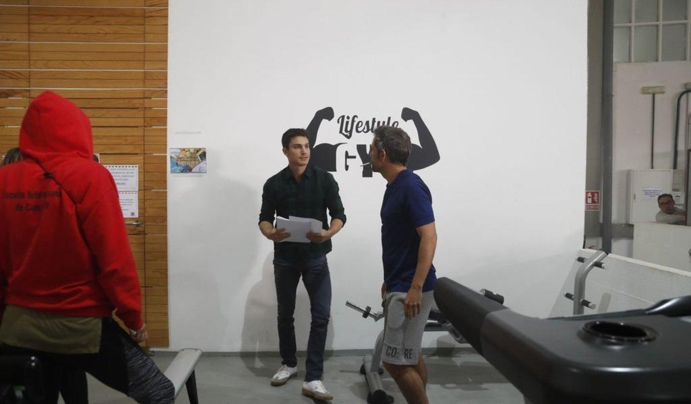álex González Rodó En Un Gimnasio De Vigo Escenas Para Una Serie