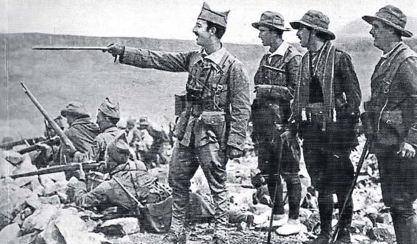 ¿Cuánto mide Francisco Franco? - Altura - Real height - medía - Página 14 2020012913321749943