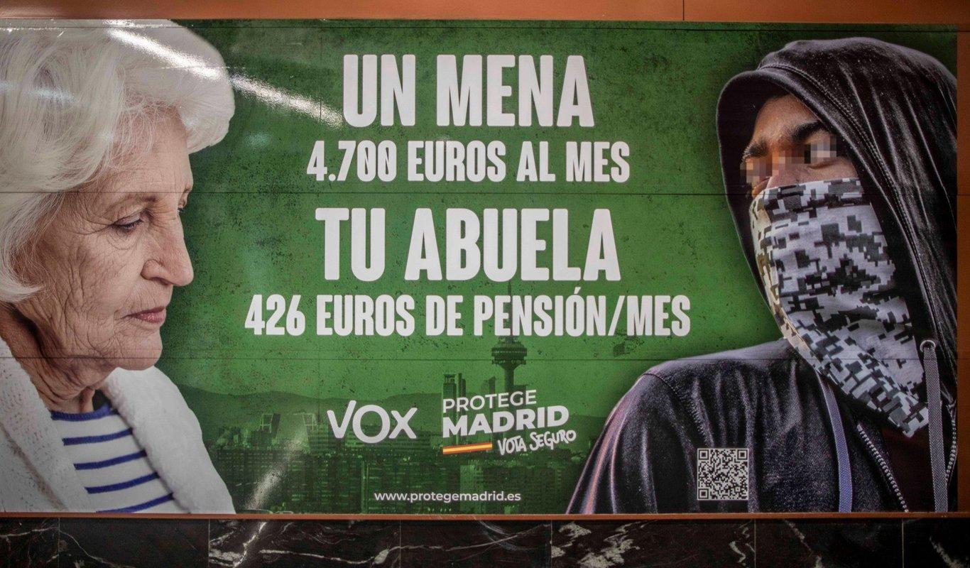 El polémico cartel electoral de Vox en Madrid que compara pensiones y menas