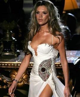 Victoria Beckham Posó Desnuda Para Unas Camisetas Diseñadas Por Marc