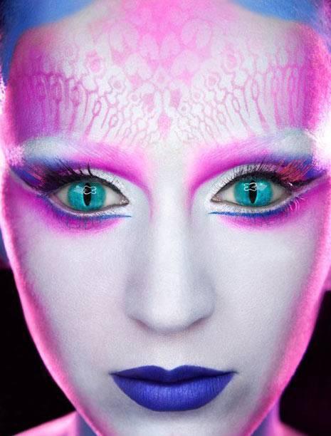 Katy Perry y su maquillaje extraterrestre