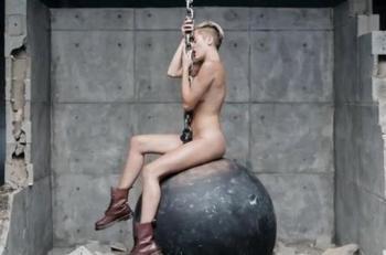 Miley Cyrus Se Desnuda En Su Nuevo Videoclip