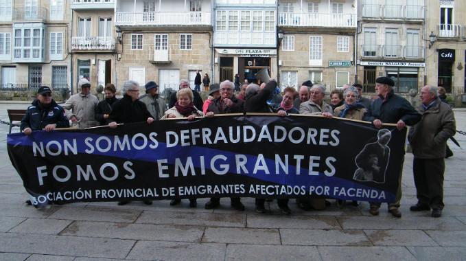 Imagen de la manifestación de los emigrantes retornados en Carballiño.