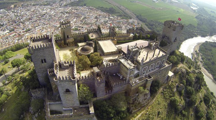 El Castillo de Almodóvar, una fortaleza ...