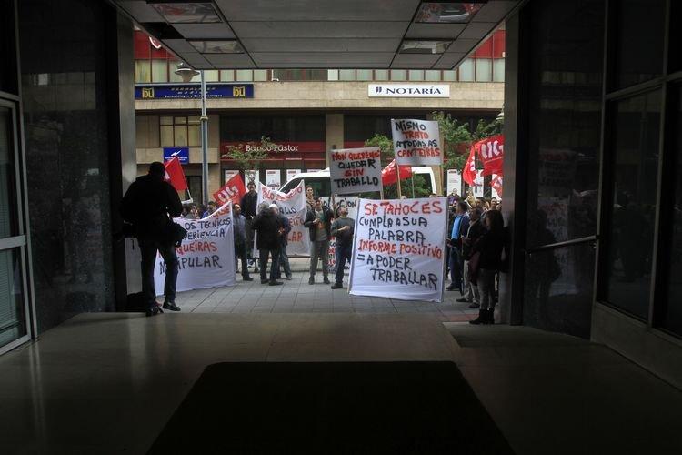 Manifestación contra el cierre de la mina de Vilamartín. (MIGUEL ÁNGEL)
