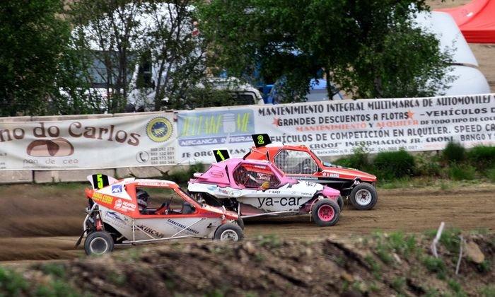 Tres participantes en la prueba de autocross disputada el pasado año en Viduedo.