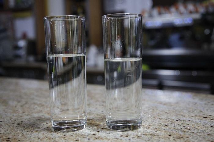 Agua del grifo o agua embotellada cu l es cu l ourense la regi n diario de ourense y - Agua del grifo o embotellada ...