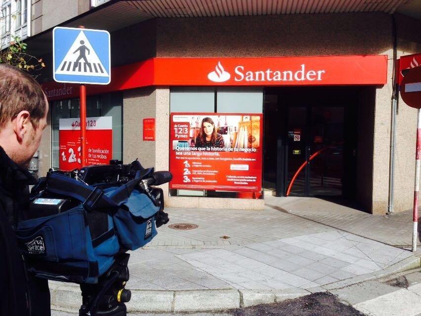 El atracador del banco tambi n asalt un supermercado for Oficinas banco santander en gijon