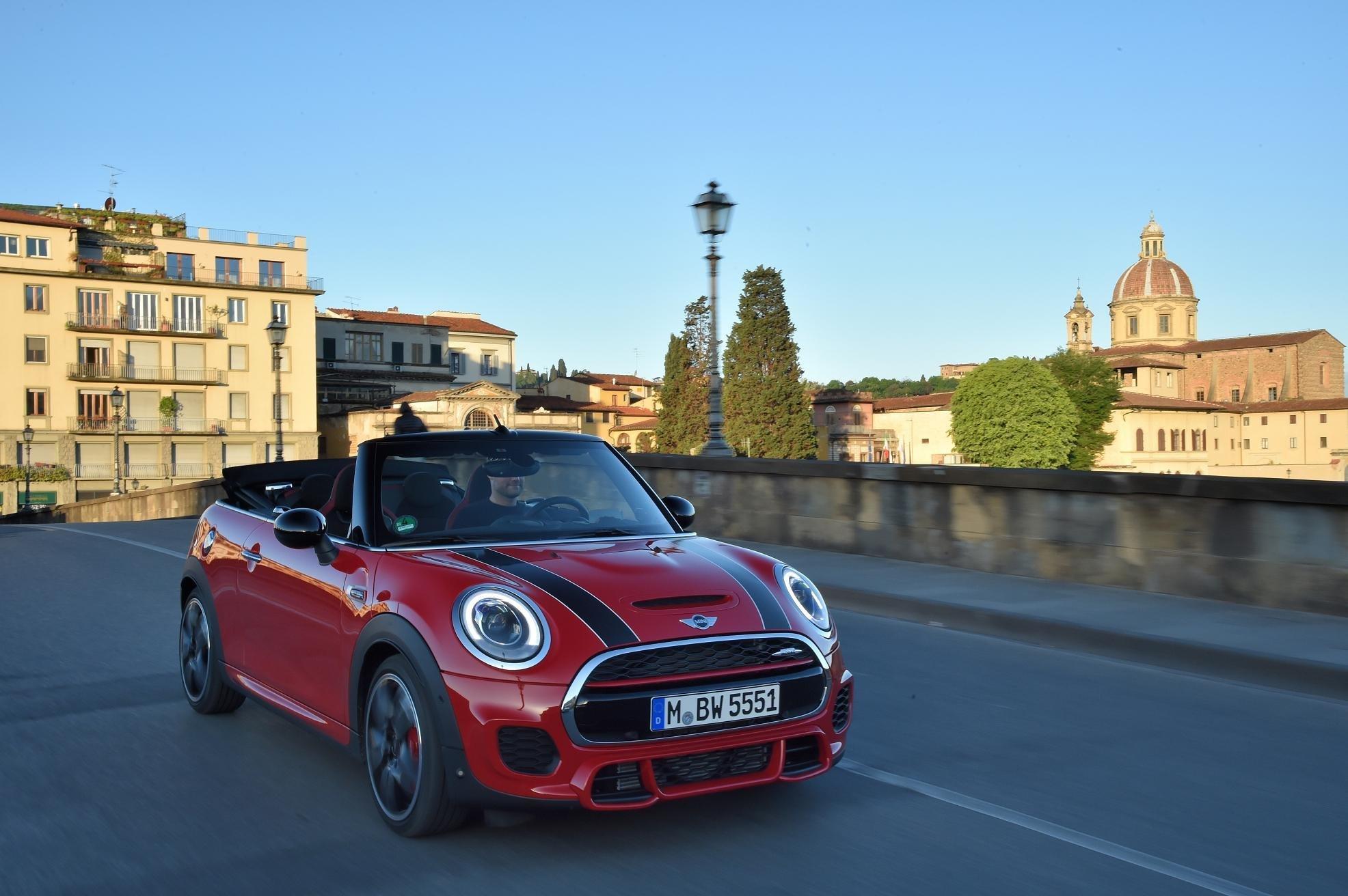 El Nuevo Mini John Cooper Works Cabrio Llega A España Motor La