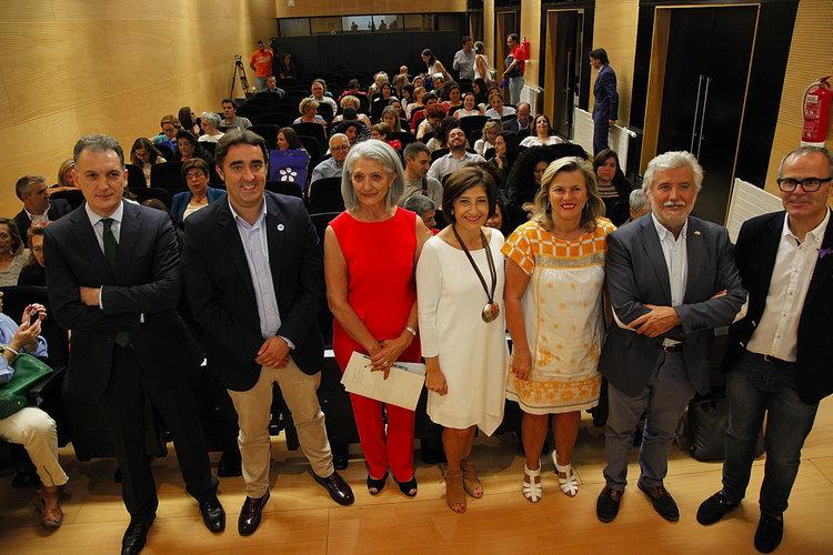 De izquierda a derecha, José Juan Cerdeira, Jorge Pumar, Ascensión Pérez, Eugenia Díaz, Eloína Núñez, Rosendo Fernández y Jesús Vázquez.