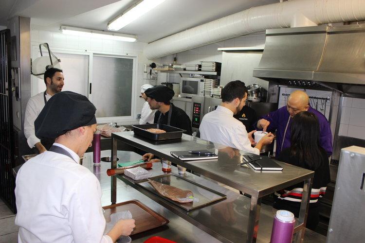 Las cocinas colombiana y china descubren la gallega - Cocinas ourense ...