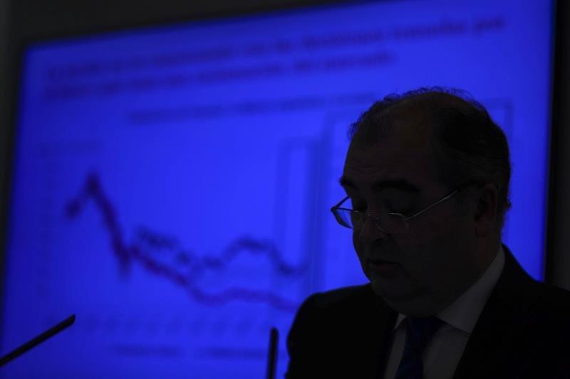 El banco popular pierde millones en 2016 econom a for Clausula suelo banco popular 2016