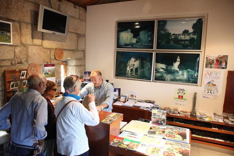 Reatur atendeu a m is de turistas o ano pasado for Oficina turismo ourense