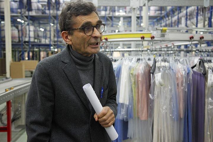 adolfo dom nguez abre nueva tienda en qatar ourense la