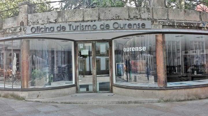 Nuevos horarios para la oficina de turismo de los for Oficina turismo ourense