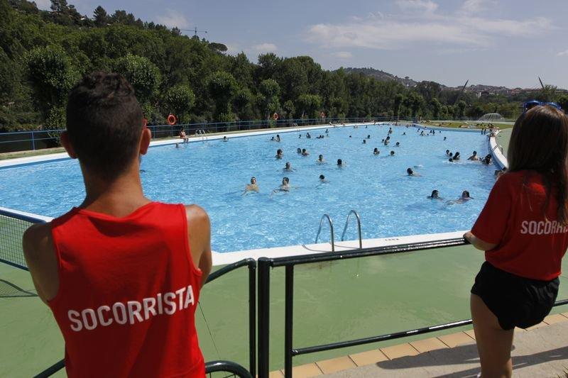Tarde de sol en las piscinas de oira ourense lbum for Piscinas en ourense