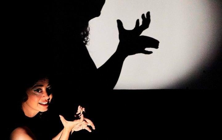 """Valeria Guglietti: """"Crear personajes con sombras chinas es un arte ..."""