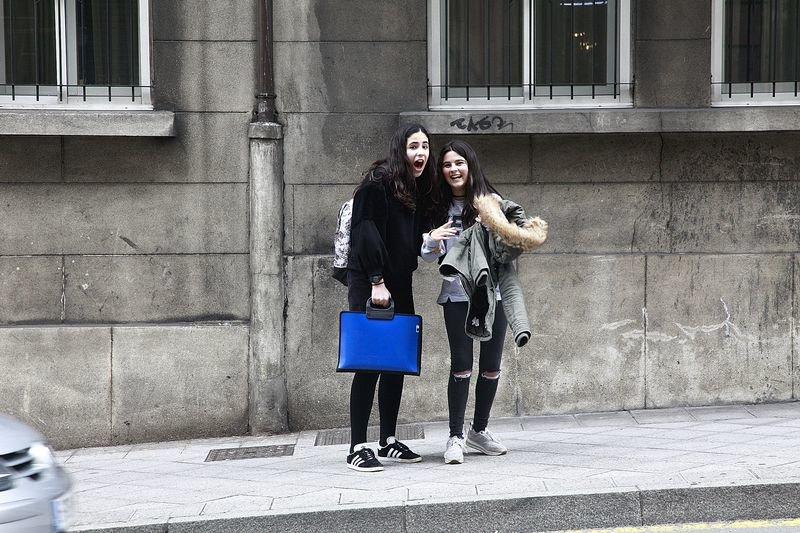 OURENSE. 08/03/2017 Jornada seguimiento OT en Ourense: Cepeda, Miriam y Roi en los momentos antes del foro. Foto: Miguel Angel