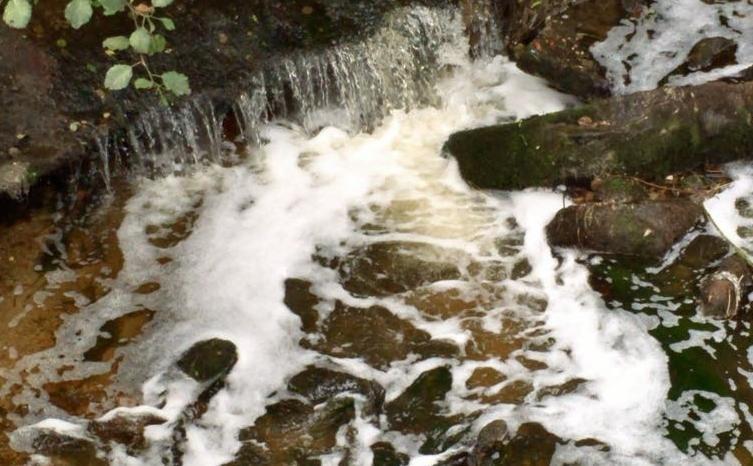 El vertido interminable: una nueva agresión al río Barbaña