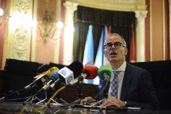 El Concello ahorrará en luz eléctrica 800.000 euros al año