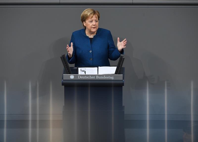 Merkel desea que se resuelva la