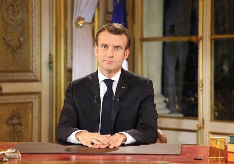 Macron anuncia la subida del salario mínimo para calmar las protestas