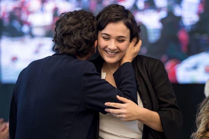 Adriana dom nguez s m s viejo es la campa a m s exitosa for Adolfo dominguez hijas