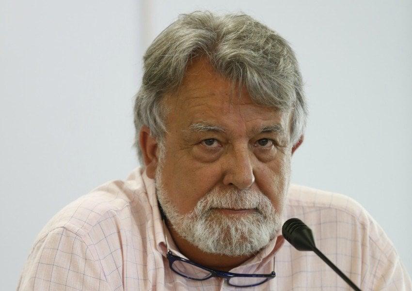 O escritor Alfredo Conde, nunha imaxe de arquivo (XESÚS FARIÑAS).