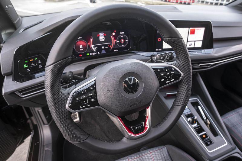 SAN CIBRAO DAS VIÑAS (APERSA). 21/01/2021. OURENSE. Nuevo Volkswagen Golf GTI versión 8. FOTO: ÓSCAR PINAL